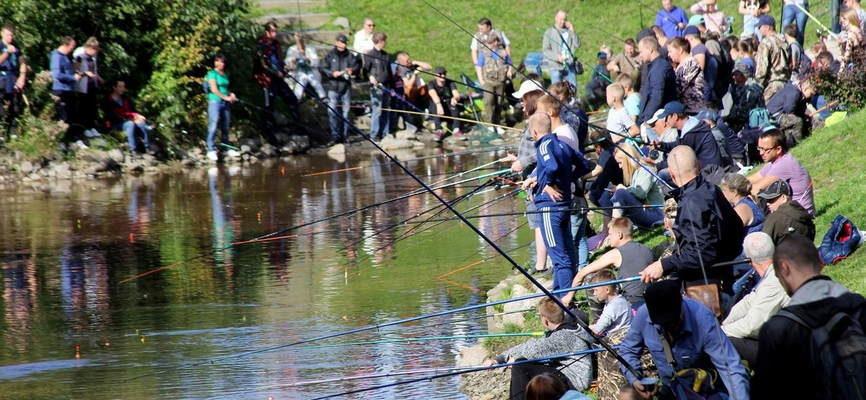 Бесконтрольный вылов рыбы фото